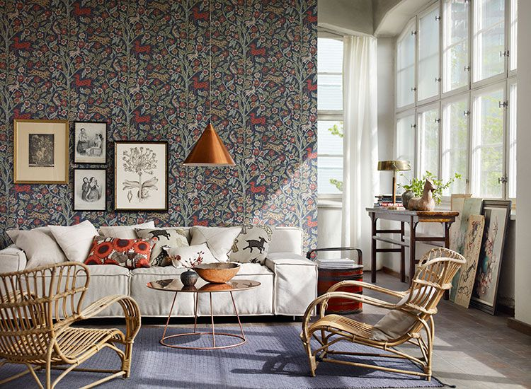 Incorporating Antique Furniture Into Your Bedroom