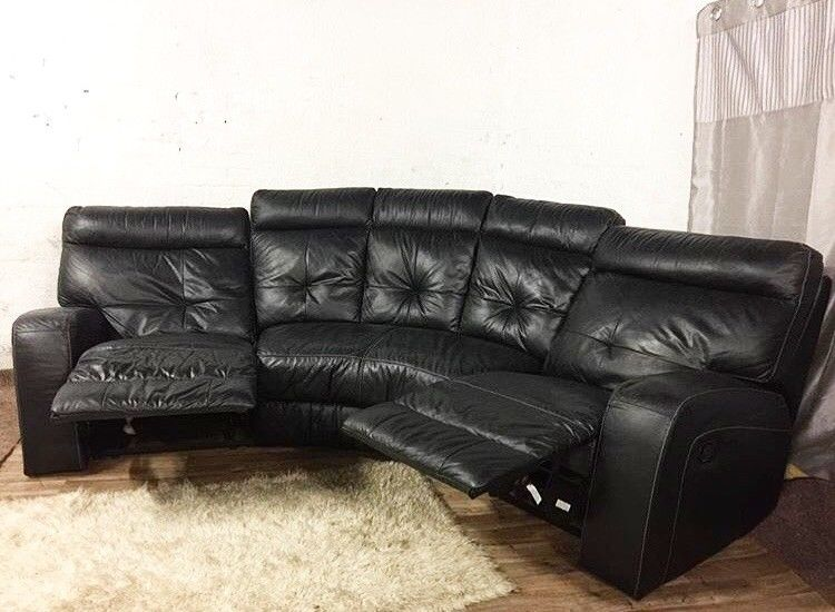 The Best Way to Clean a Leather Sofa